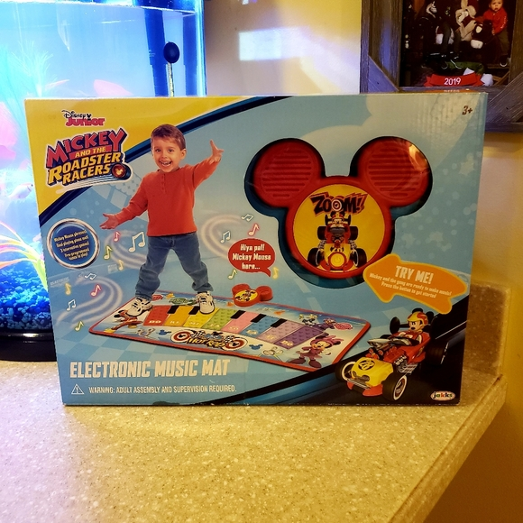 disney junior Other - Mickey and the roadster racers music mat